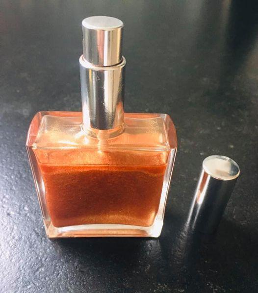 huile sèche pailletée corps